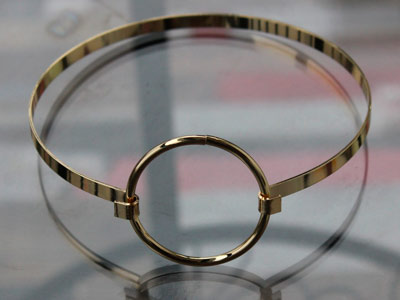 Чокер стальной с кольцом золотистый