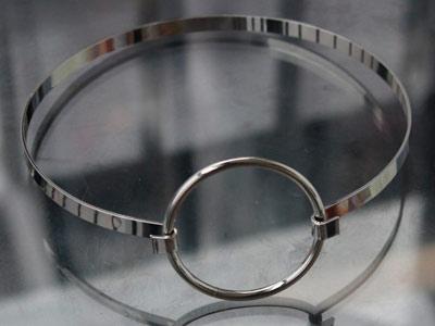 Чокер стальной с кольцом серебристый