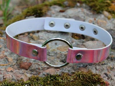 Голографический чокер розовый с кольцом