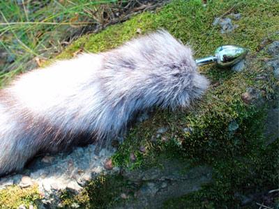 Плаг с хвостом 36 см светлый (чернобурка)