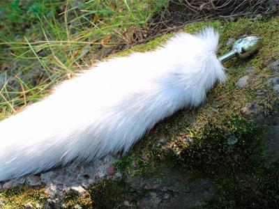 Плаг с хвостом 40 см белый (песец)