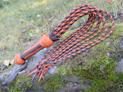 Кошка 9 хвостов черно-оранжевая