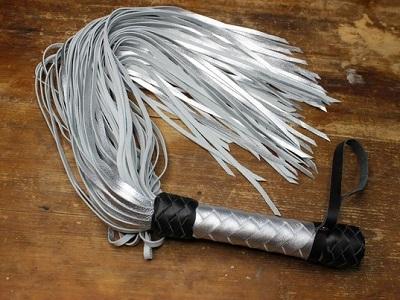 Флоггер 80 хвостов серебро-черный