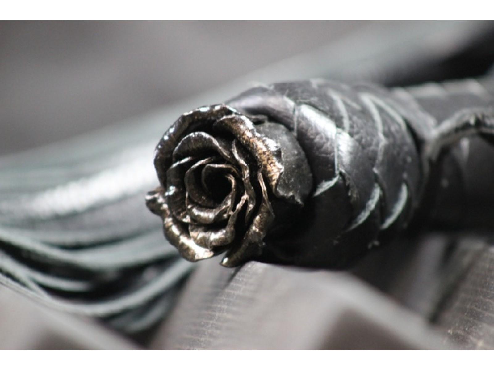 Флоггер «Steel Rose»