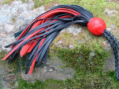Минифлоггер черный с красным 50 хвостов
