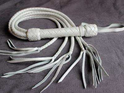 Плеть «Кошка» плетеная 5 хвостов белая