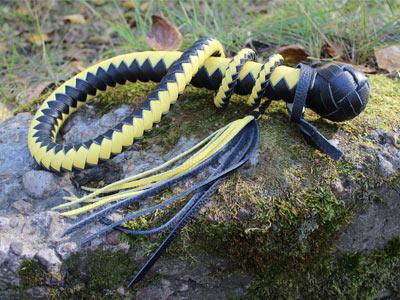 Кнут 1 метр черный с желтым хромового дубления