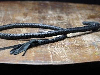 Кнут 140 см черный